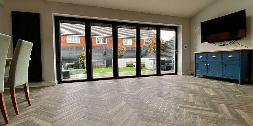 Project Floors Winter Oak Herringboneinstallation in Great Sankey WA5